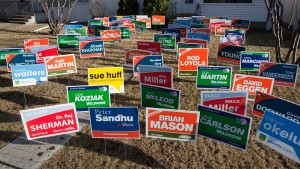 Political_yard_signs