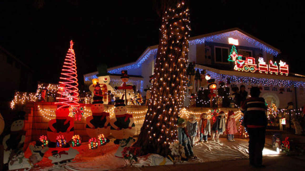 Best San Diego Neighborhoods for Christmas Lights