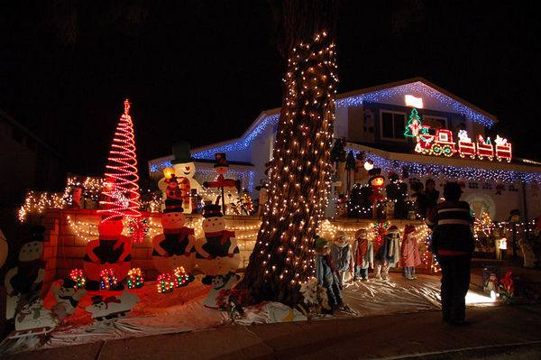 Top 3 San Diego Holiday Light Displays - Rancho Penasquito Christmas Card Lane - San Diego Premier Property Management